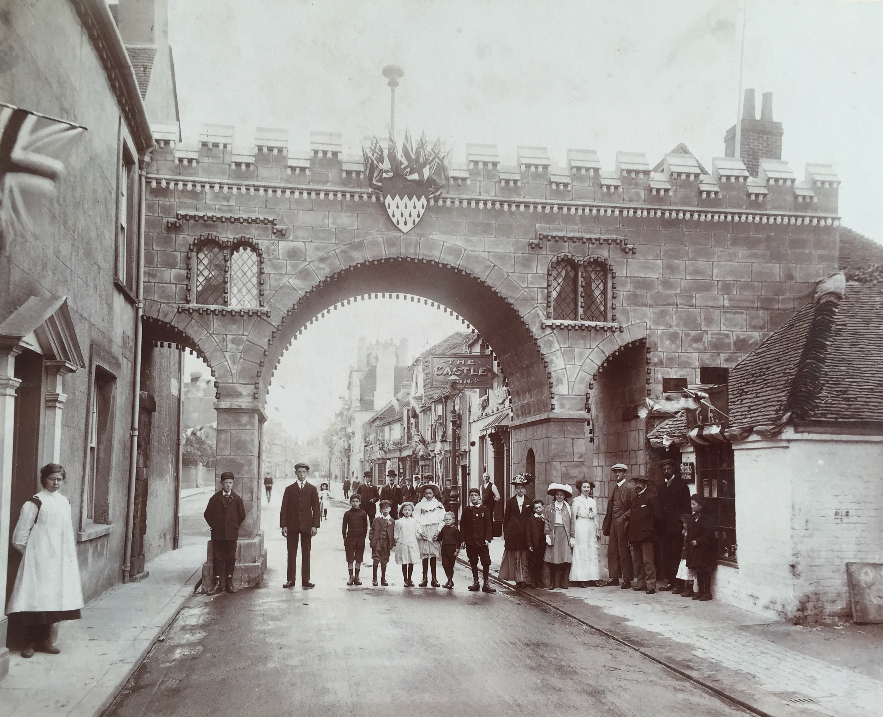 Commemoration Arch for 1911 Coronation of George V - Collection Ken Green